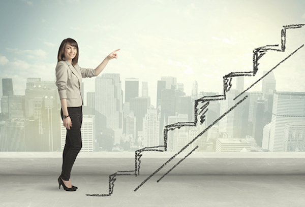 実は稼げる!!プロのセミナー講師で年収を上げる5つの定義