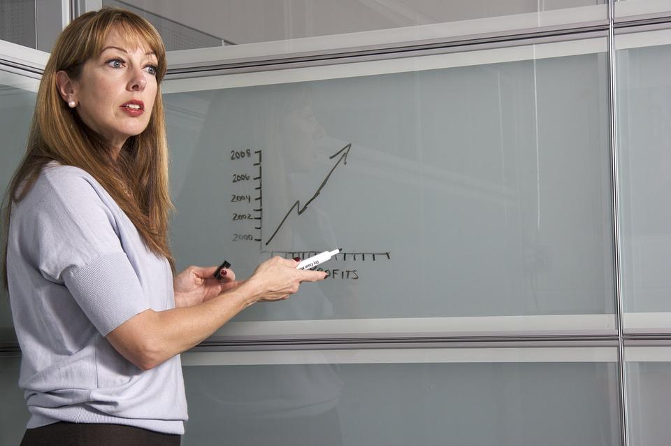 うまくいっていない女性講師が陥っている3つの罠